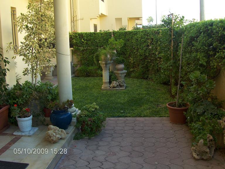 Rez de chuass e a la soukra for Jardin 2000 tunisie