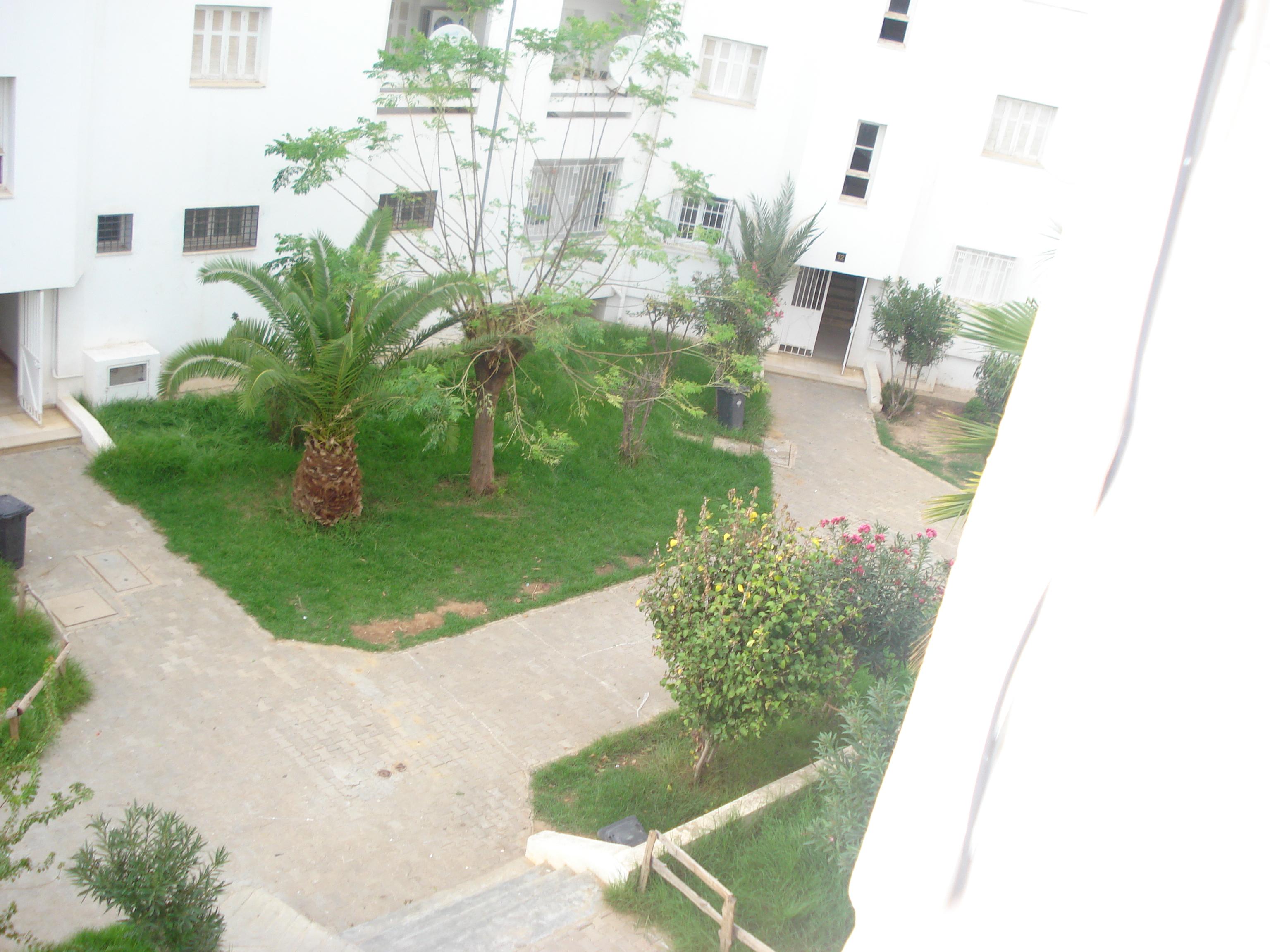 Appartement a boumhel for Achat maison jardin