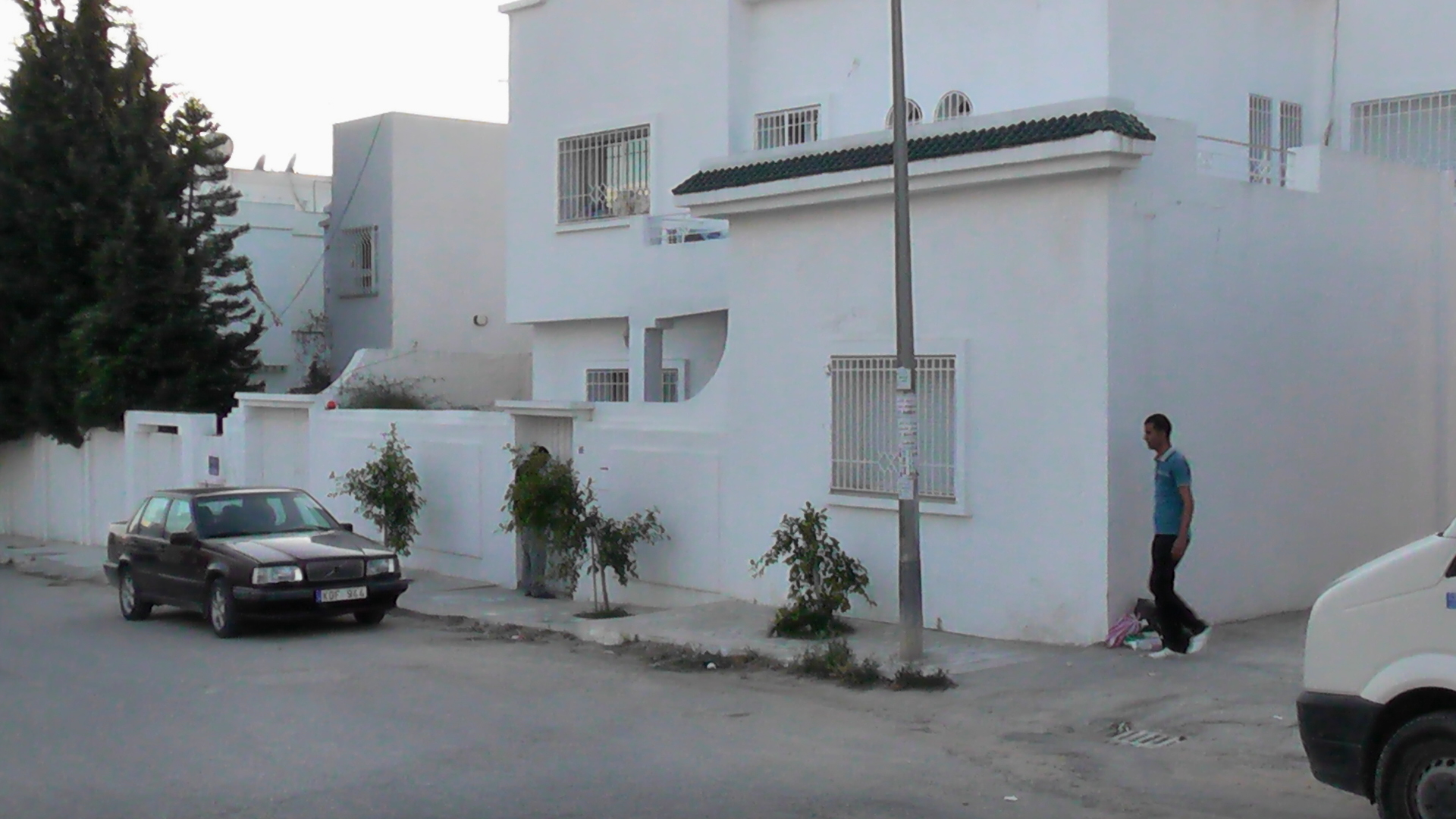 Tunis vente achat location appartement terrain maison for Achat maison en tunisie