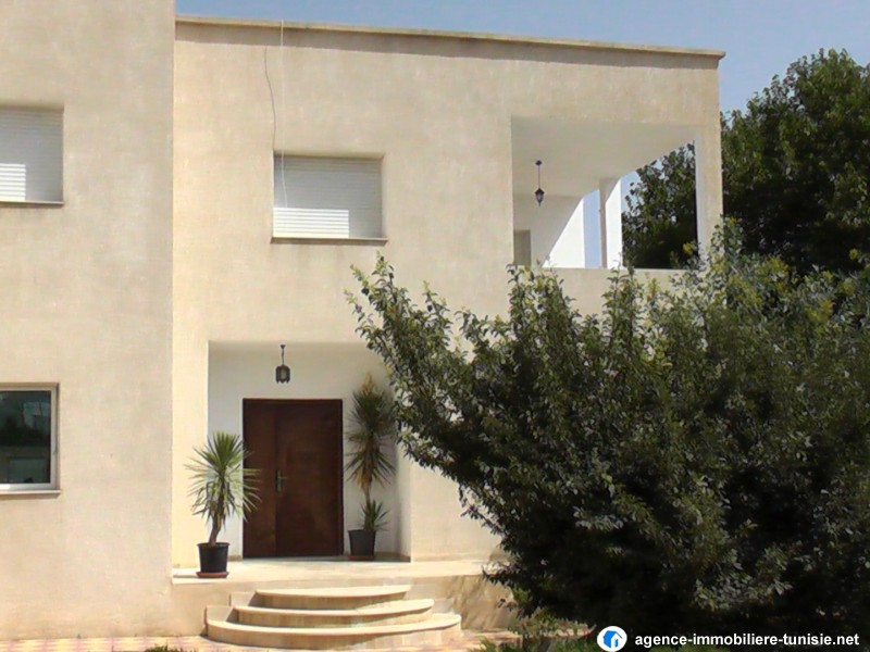 Location villa tunisie des villas en locations louer tunis for Jardin 2000 tunisie