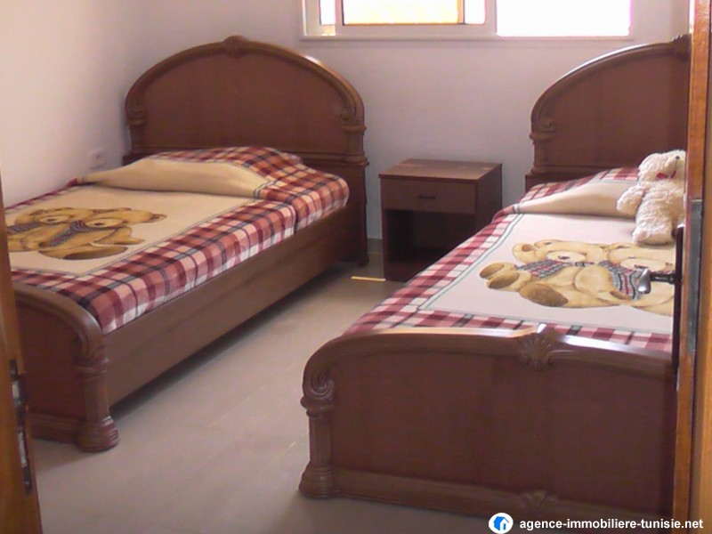 villa haut standing vide ou meubl e la soukra ariana. Black Bedroom Furniture Sets. Home Design Ideas